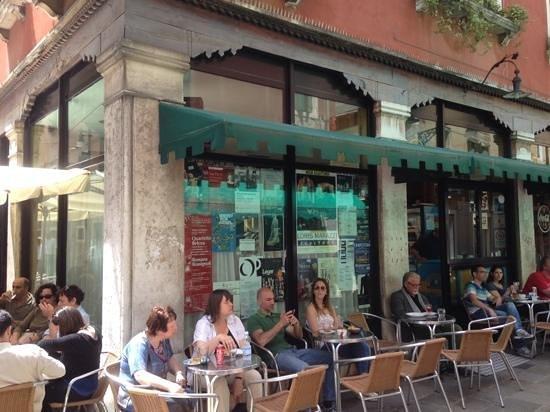 Bar Da Gino: Exterior View