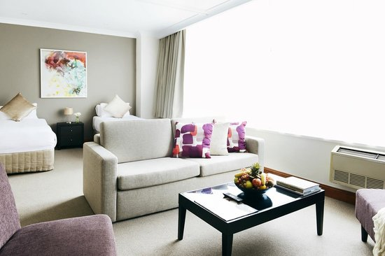 Rydges Melbourne Hotel: Two bedroom Spa Suite