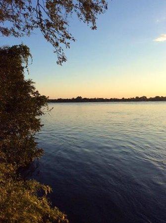 Tongabezi : sunset over the magnificent Zambezi