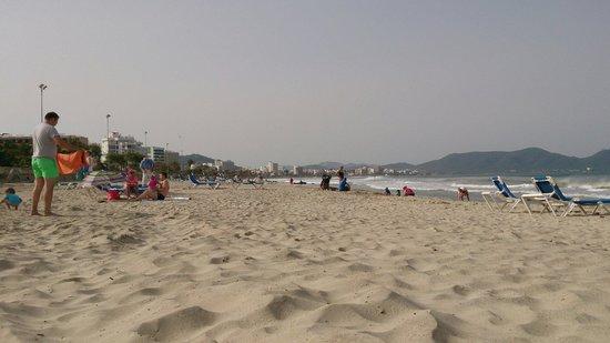 Hipotels Bahia Grande: Amazing beach nearby