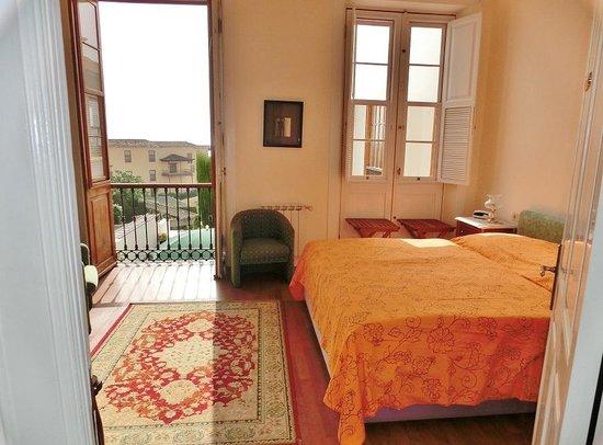 Hotel Alhambra: Habitacion
