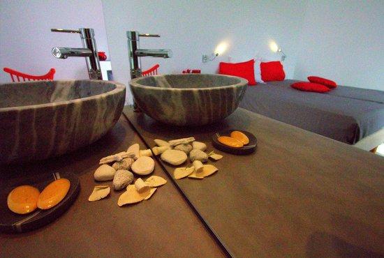 Margarita Studios: marble sink