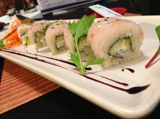 Pura Vida Sushi & roots bar: Holboxito roll