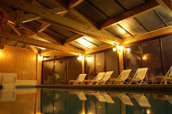 Hotel Les Cotes, Residence Loisirs et Chalets: PIscine Couverte