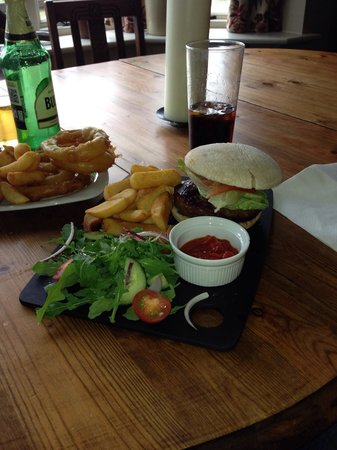 The Barge Inn: Just perfect. You must go and try the food here