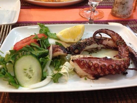 Mama Sofia's: octopus grillé