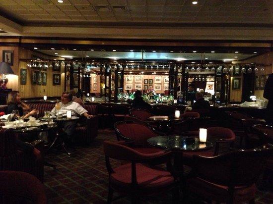Hilton Tokyo: St George's Bar