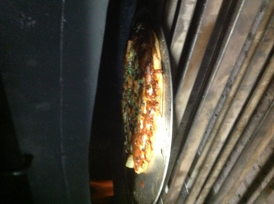 Tinys woodfired pizza: Authentic Woodfired pizza.