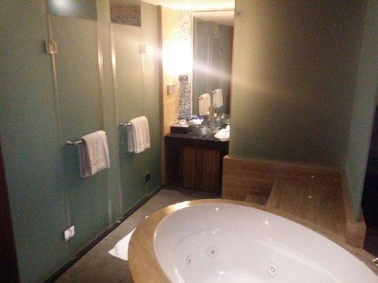 Minya Hotel Pudong Shanghai: Jaccuzzi