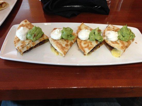 Cantina Laredo: Quesadillas!