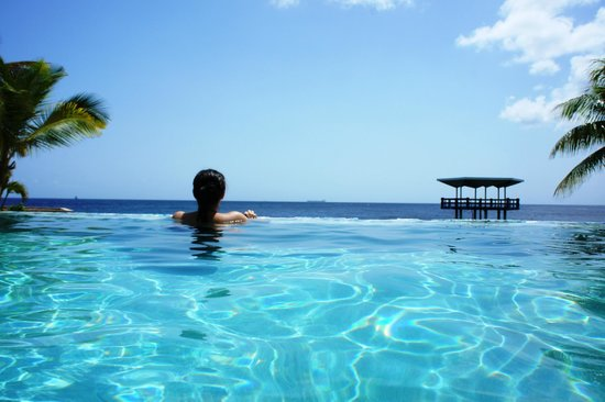 Hilton Curacao: One of the infinity pools on property