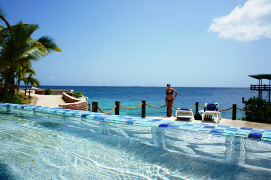 Hilton Curacao: view from the infinity pool