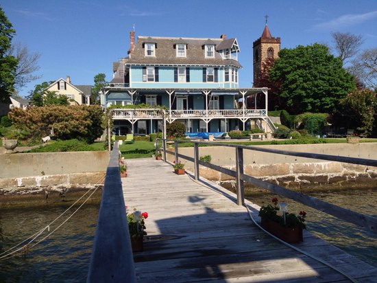 Sanford-Covell Villa Marina : View of the house from the dock.