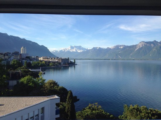 Eurotel Riviera Montreux: The view from our room was stunning!