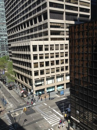 Doubletree Hotel Metropolitan - New York City : View from our room of 51st St.