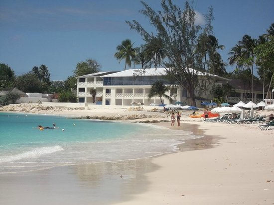 Holetown, Barbados: Hotel from the beach