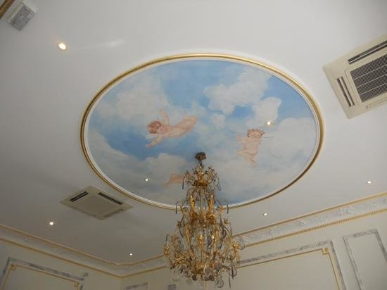 La Villa Eugene: ceiling in the breakfast room