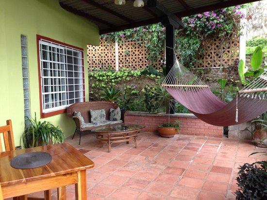 The Golden Frog Inn : The porch Villa #2