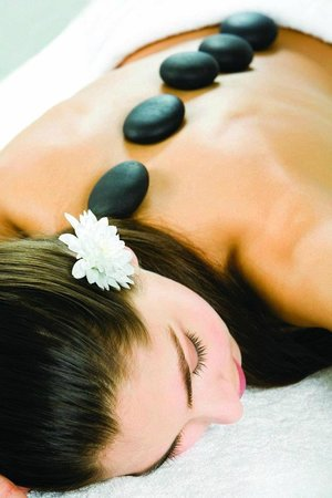 Etadi Wellness Centre : Hot Stone Therapy