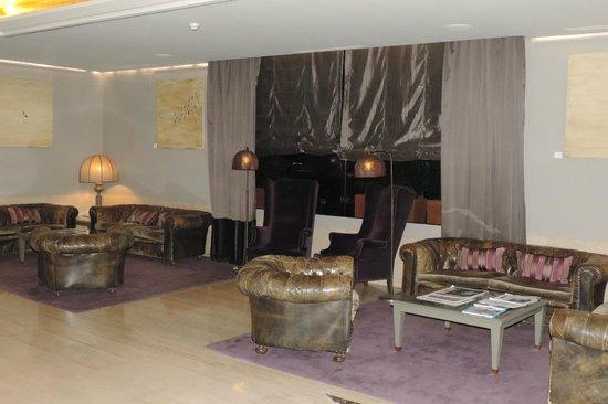 Gallery Hotel: Lobby
