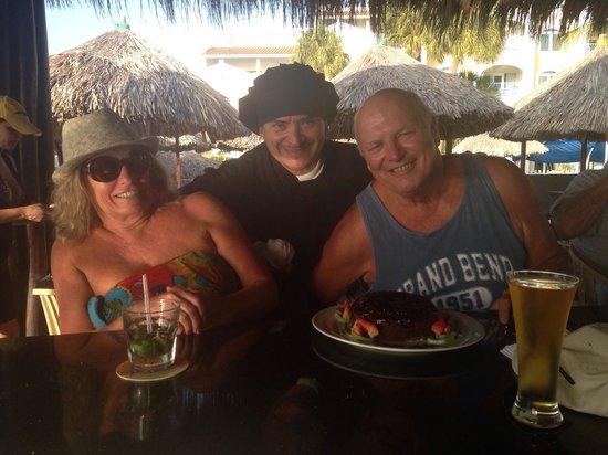 Water's Edge Restaurant & Bar Aruba : Mami papa balashi i chef angelo
