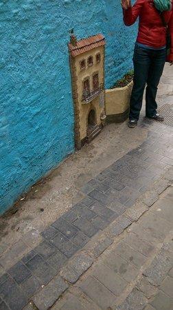 Tours in Valencia Play &Xperience: Het kleinste 'huisje' in Valencia.