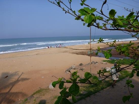 Papasnanam Beach: view to the north