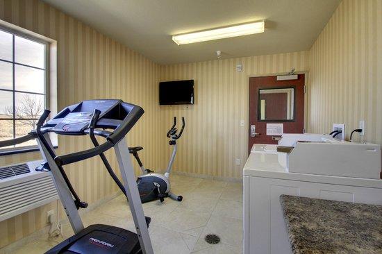Cobblestone Hotel Wayne Ne Guest Laundry And Fitness Center