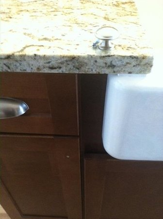 Kingsmill Resort: Kitchen cabinet knob missing (on countertop above)