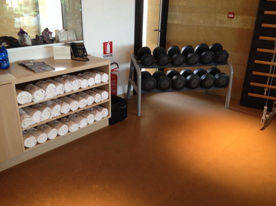 Verdura Resort: Gym. With towels and cold water