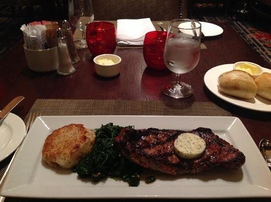 Round Table Restaurant: angus steak