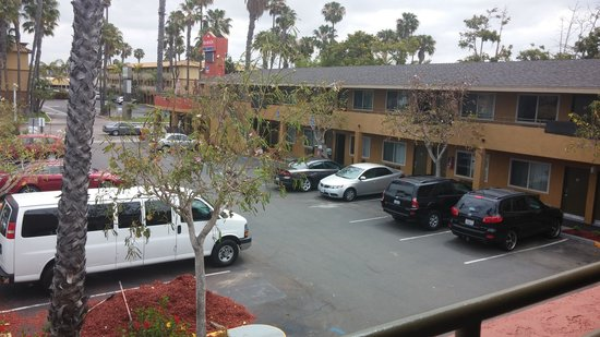 Ramada Limited San Diego/Near SeaWorld: Parking lot