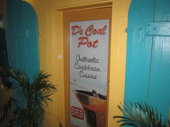 De' Coal Pot: From the street