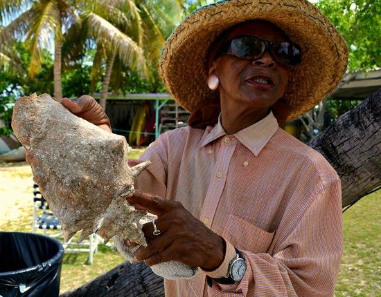 Hotel on the Cay: Wonderful woman who gave us a lot of great info