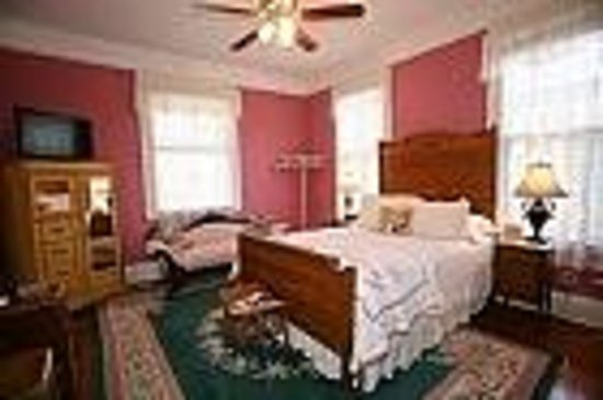 Brackenridge House Bed and Breakfast: Wren's Nest Suite