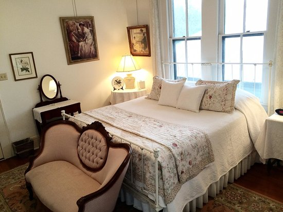 Brackenridge House Bed and Breakfast: Mockingbird Suite