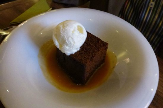 Starfish Restaurant: Ginger Pudding with Butterscotch Sauce