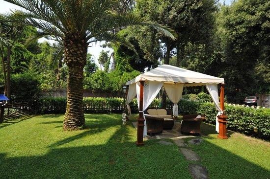 Hotel Kyrton: giardino