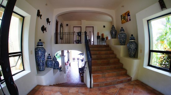 Las Palmas Villas & Casitas: 1st floor to 2ed floor