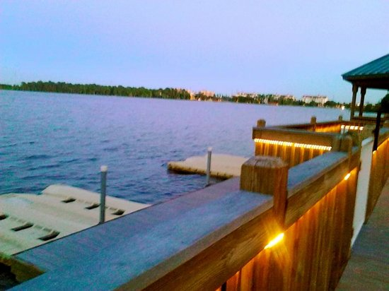 Blue Heron Beach Resort: BHBR boat dock/Lake Bryan at sunset