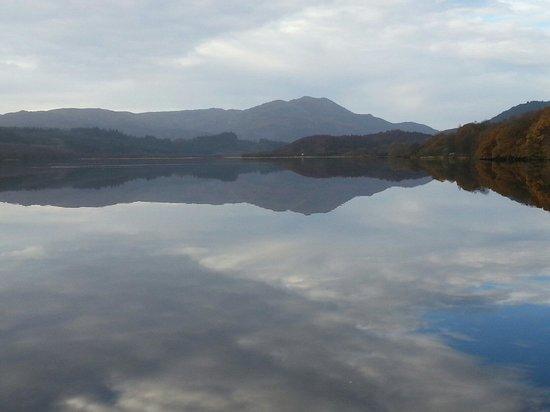 Discover Scotland Tours : Loch Venechar