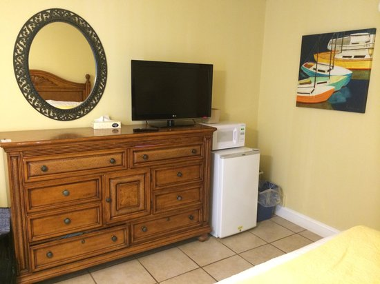 Aqua Beach Resort : another view of dresser, tv, fridge