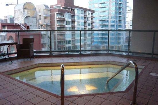 Executive Hotel Vintage Park : Hot tub
