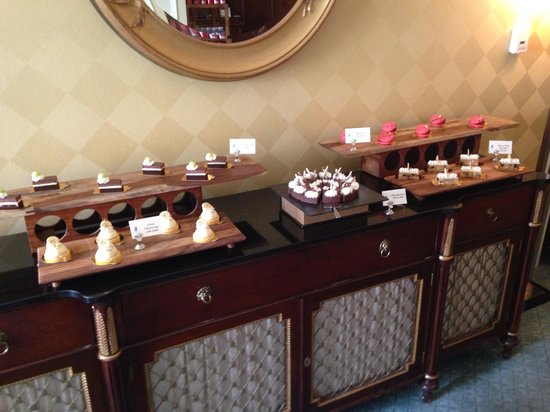 The Ritz-Carlton, Dallas: Desserts and more desserts