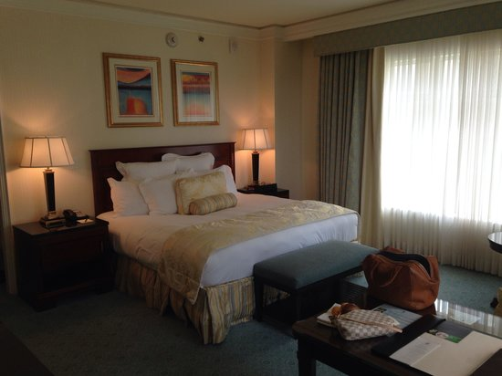 The Ritz-Carlton, Dallas: Comfy bed