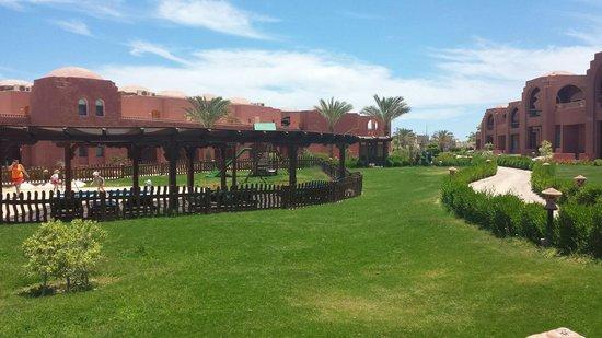 SENTIDO Oriental Dream Resort : Giardino