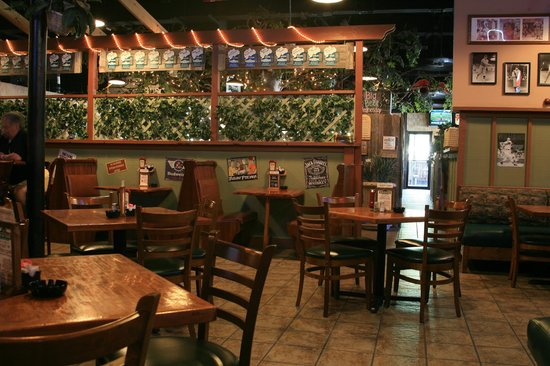 Backyard Grill Houston :  Dining Room fotograf?a de The Backyard Grill, Houston  TripAdvisor