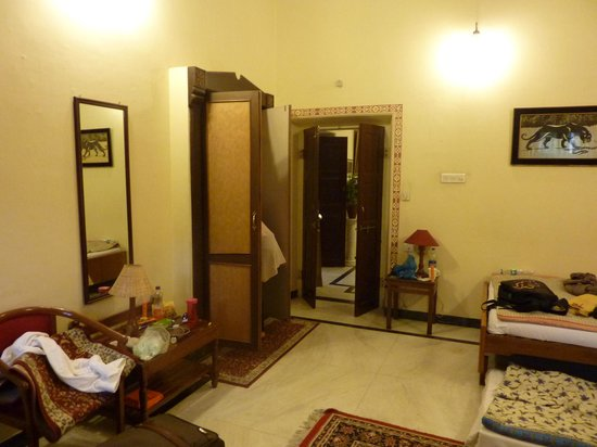 Devi Niketan Heritage Hotel : Very calm and beautiful rooms , felt home welcomed !