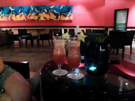 Now Larimar Punta Cana: Bar do Lobby