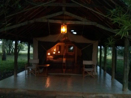Voyager Ziwani, Tsavo West: my tent